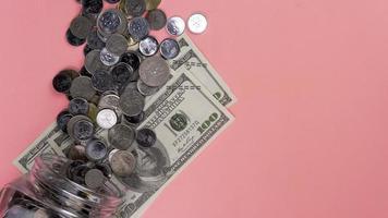 Sparen oder Wirtschaft oder Geschäftskonzept. foto