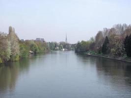 Fluss Po in Turin foto