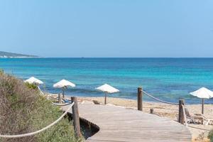 Migjorn Strand auf Formentera in Spanien in Zeiten von Covid 19 foto