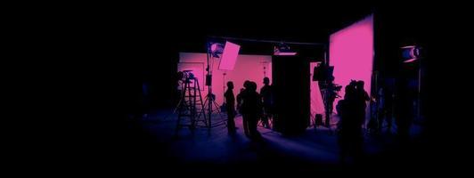 Silhouettenbilder der Filmproduktion. hinter den Kulissen foto