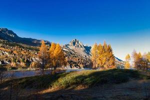 wunderschöne Herbstlandschaft foto