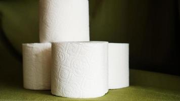 Toilettenpapier ist in der Krise ein Muss foto