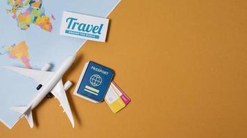 Reisen Sie wieder Konzeptanordnung mit Kopienraum foto