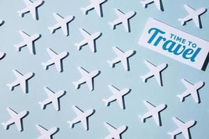 Reise wieder Konzept Papierstil Sortiment foto