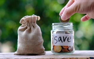 Geld sparen und Geschäftswachstumskonzept foto