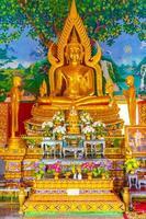 koh samui, thailand, 2021 - goldene buddha-statue foto