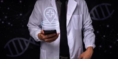 Arzt mit Symbol medizinischer Punkt foto
