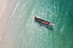 Luftaufnahme von Touristen paddeln Kajak in Boulder Island? foto
