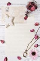 Blumenblätter Brief transparente Glasflasche Taschenuhr Stern Handwerk foto