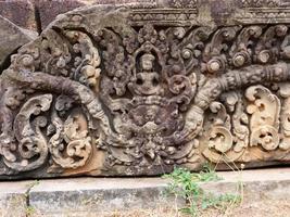 Steinfelsen an der alten buddhistischen Khmer-Tempelruine von Pre-Rup, Siem Reap foto