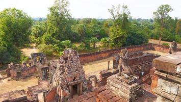 alte buddhistische khmer ruine von pre rup, siem reap kambodscha. foto