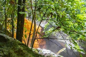 Wang Sao Thong Wasserfall im tropischen Regenwald Koh Samui Thailand. foto