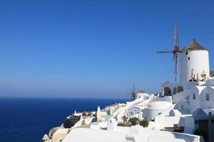 schöne aussicht auf oia auf der insel santorini, griechenland foto