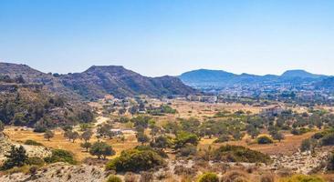 Faliraki Wanderweg und Berglandschaft Panorama Rhodos Griechenland. foto