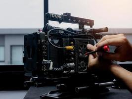 Wechseln des Lüfters der Filmkamera foto