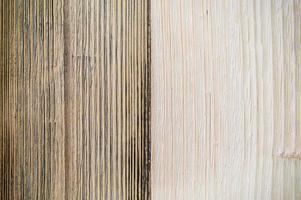 zweifarbiger hölzerner Musteroberseitentischbodenhintergrund foto