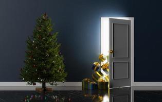 Tür mit herausschauenden Geschenken und einem Weihnachtsbaum foto