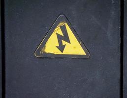 Warnschild für Stromschlag foto