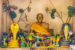 Thailand - kleiner heiliger Schrein Wat Sila Ngu Tempel Koh Samui foto
