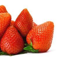 eine handvoll erdbeere foto