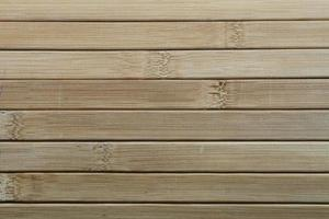 Jalousien aus hochwertigem Massivholz. foto