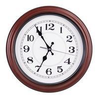 fünf Minuten vor sieben auf einer Uhr foto