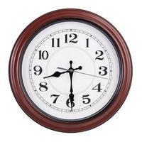 runde Uhr zeigt die Hälfte der Neunten foto