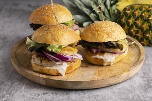 proteinreiche Mahlzeit Burger Nahaufnahme Detail foto