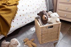 Innendekoration des Kinderzimmers mit Spielzeug foto
