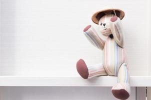 Spielzeugbär sitzen foto