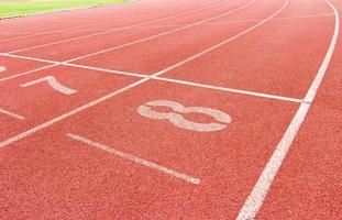 nummerierte Laufstrecke im Stadion foto