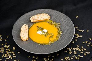 Suppe der Orangen-Hokkaido-Kürbis-Cucurbita Maxima foto