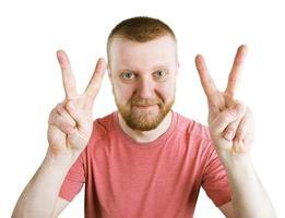 Mann zeigt seine Hände, dass alles gut ist foto