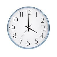 vier Stunden auf der runden Uhr foto