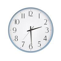 runde Uhr zeigt die Hälfte des Drittels foto