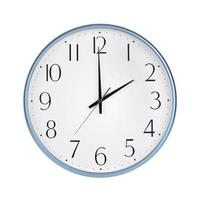 genau zwei Stunden auf der runden Uhr foto