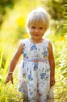kleines blondes Mädchen foto