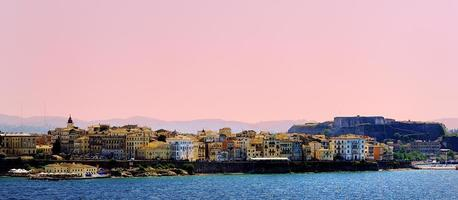 rosa Himmel von Korfu foto