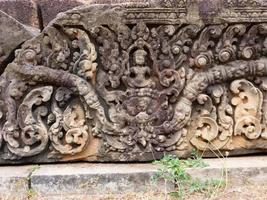 Steinschnitzkunst bei buddhistischer Khmer-Ruine von Pre-Rup Siem Reap foto