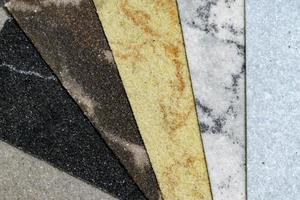 Set aus verschiedenen dekorativen Steinen für Design, Interieur und Exterieur foto