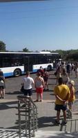 Theologos, Rhodos, Griechenland - 14. September 2021 Bus nach Rhodos-Stadt foto