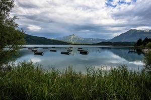 2021 07 18 Lago di Santa Croce Boote am See foto