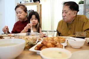 Abendessen mit Familie foto