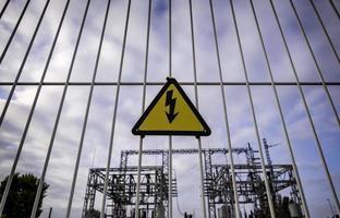 Elektrisches Gefahrenzeichen foto