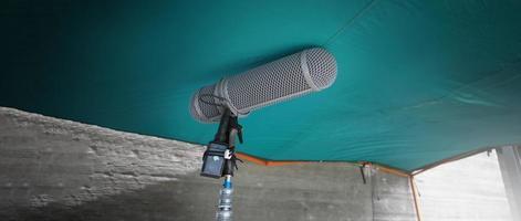 Mikrofonarmtyp. Sound Recorder Boom-Mikrofon und Stativständer. foto
