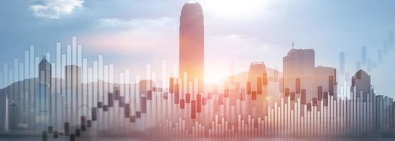 Trading Investment Chart Graph City Skyline View Doppelbelichtung Website Panorama Header Banner foto