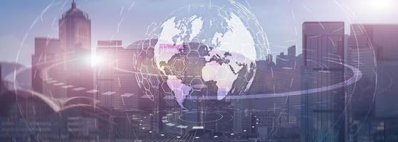Globus globales Geschäftstechnologiekonzept des modernen Stadthintergrundes. Kopfzeile der Website. foto