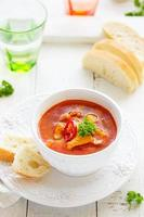 Kharcho-Suppe mit Huhn und Reis.