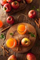 Bio-Orangenapfelwein foto