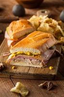 hausgemachte traditionelle kubanische Sandwiches foto